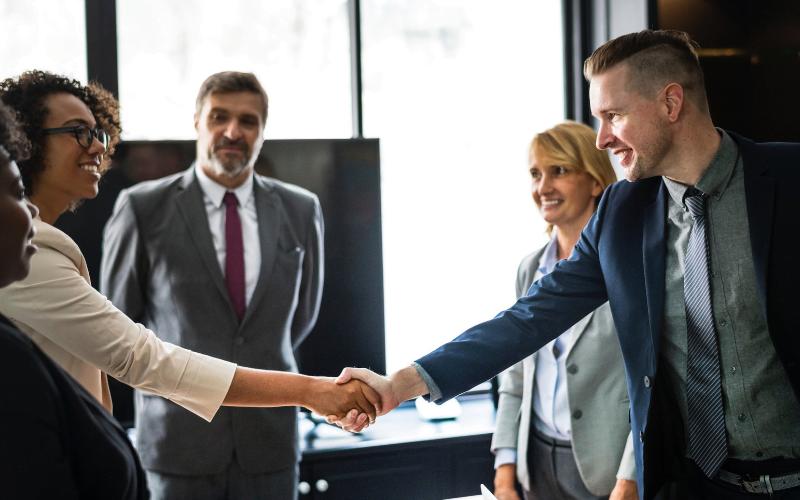 Como fazer uma cobrança de clientes amigável: conheça as boas práticas